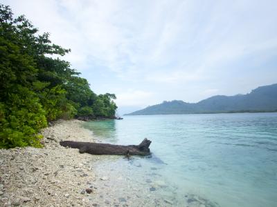 Indahnya Pulau Sebesi (foto: adivisual.blogspot.co.id)