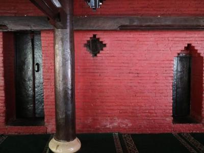 Dua Macam Pintu Masuk (foto: kompas.com)